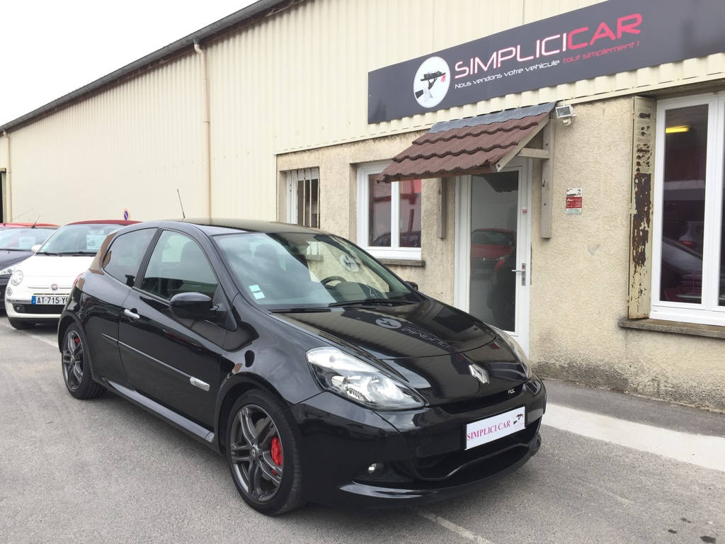 voiture renault clio iii 2 0 16v 203 renault sport trophy occasion essence 2010 122500 km. Black Bedroom Furniture Sets. Home Design Ideas
